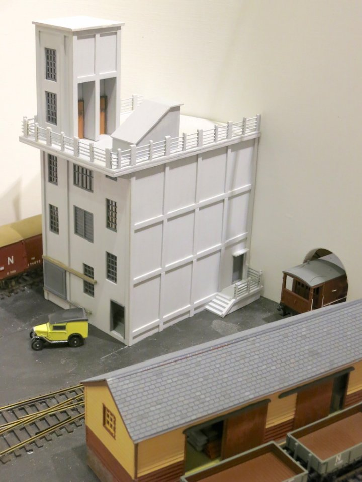 Hasties Building 180912 05 - reduced for forum.JPG